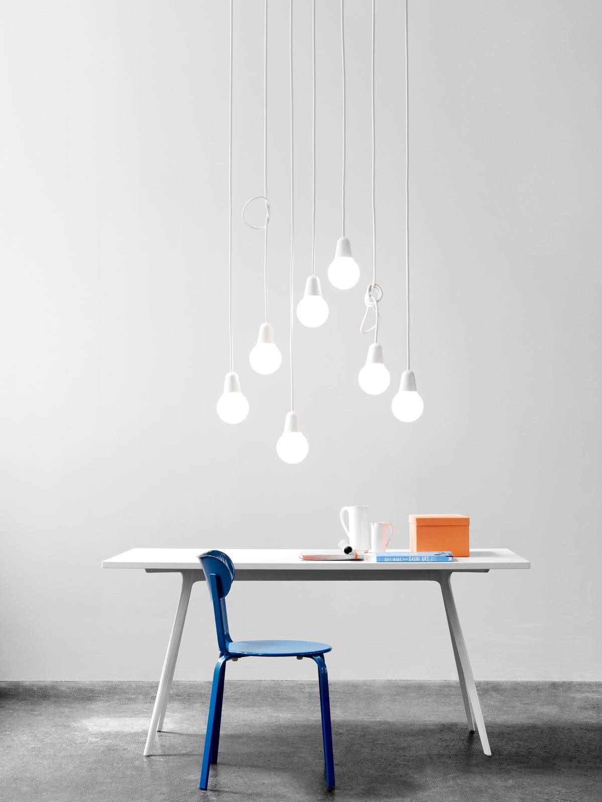 DesignOrt Blog: Kleine Pendelleuchten aus Glas Bulb Fiction von Lightyears