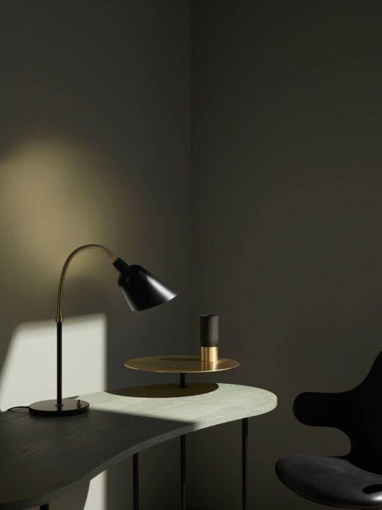 Bellevue_Table_AJ8_black-interior