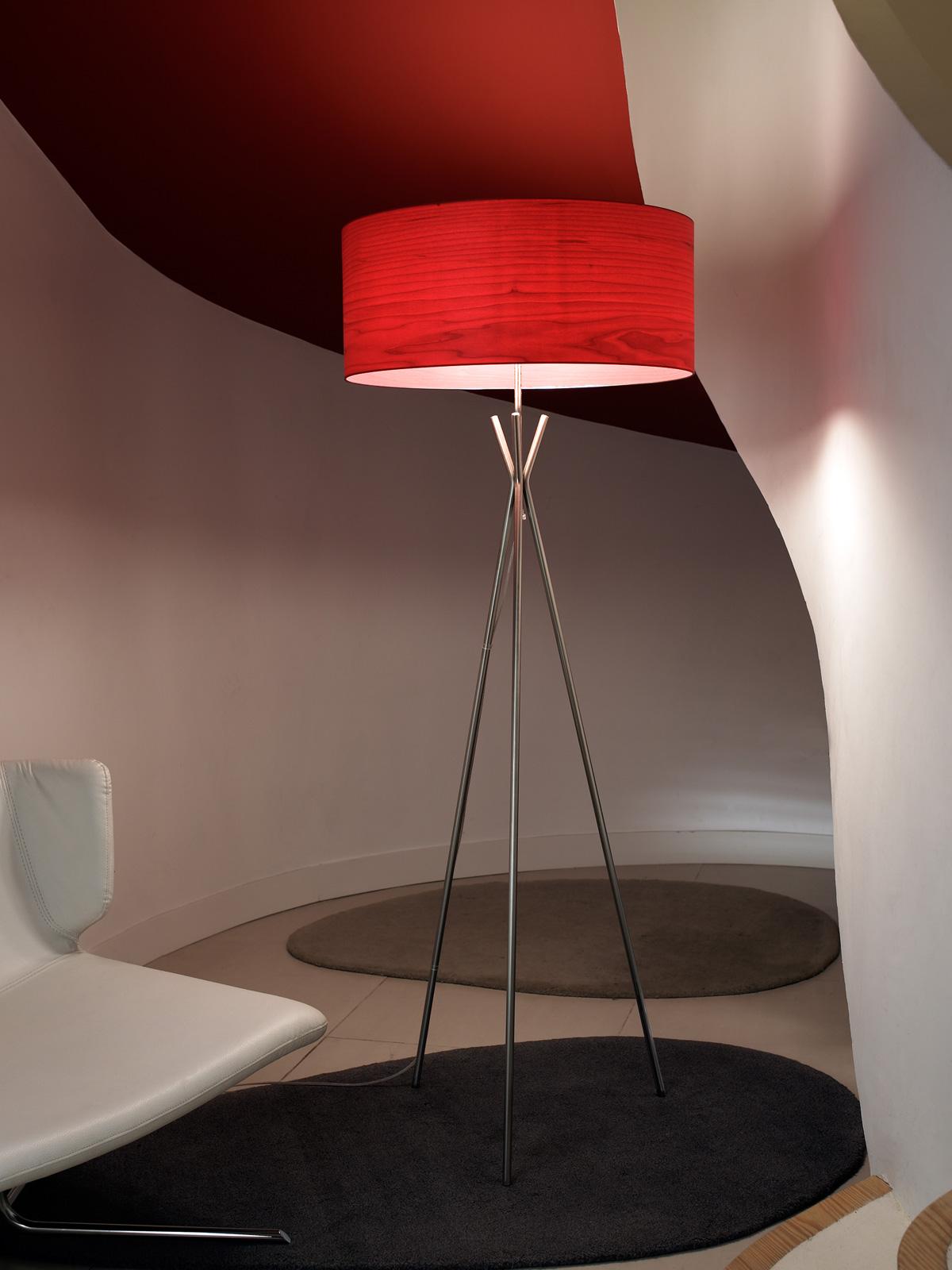 Designort Blog: Designer im Portrait: Mariví Calvo Stehlampe Cosmos