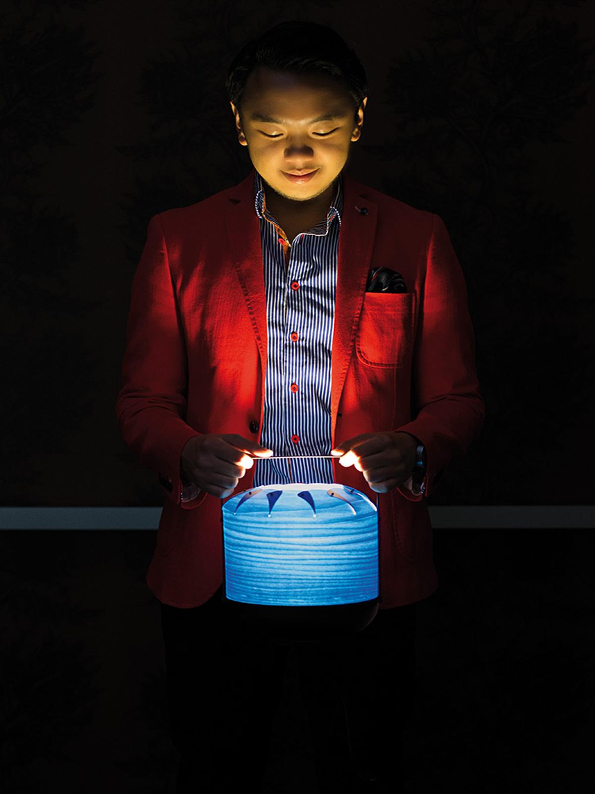 Tischleuchte Chou in blau LZF