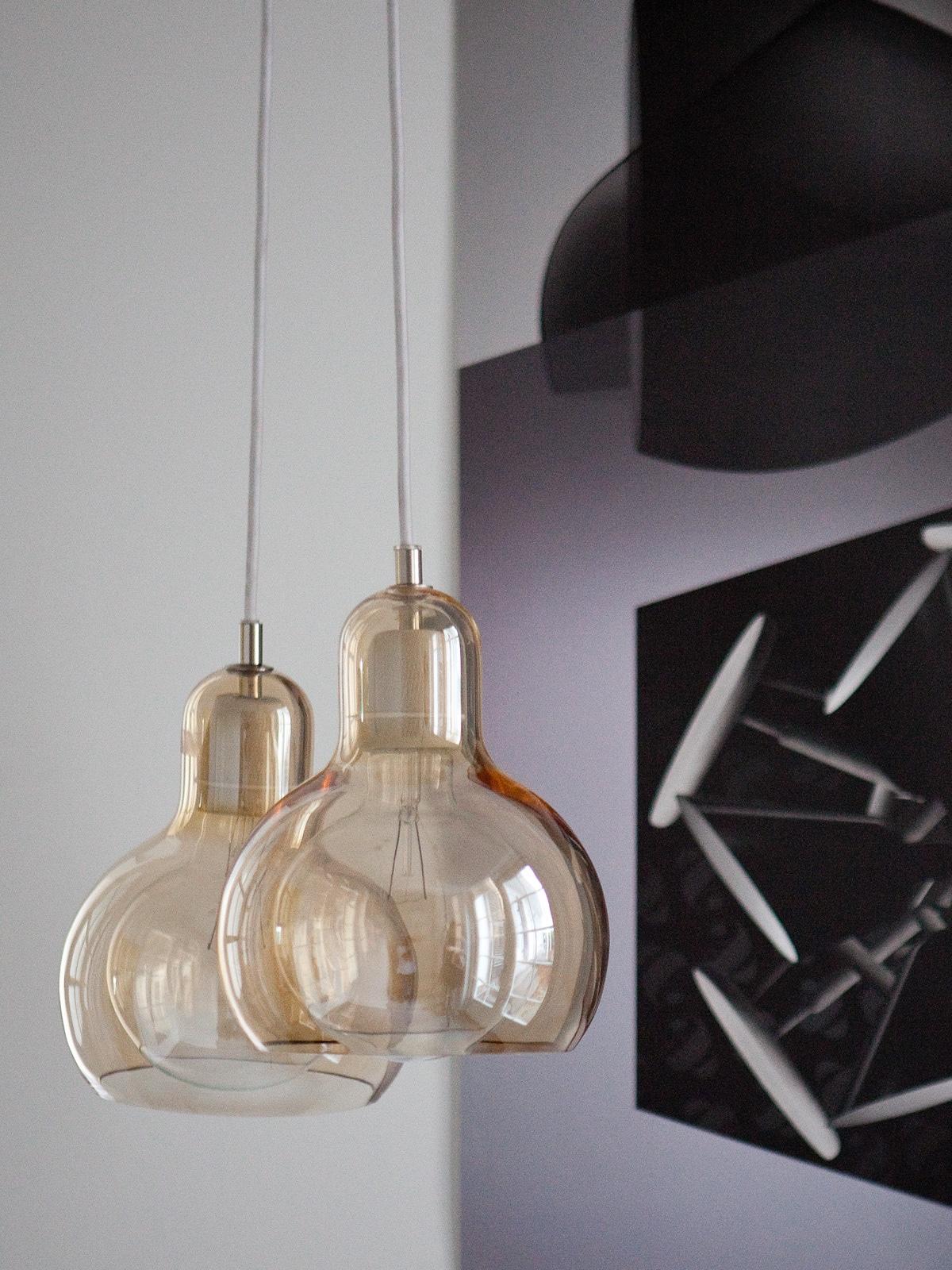 goldene Designerleuchten bei DesignOrt Berlin Mega Bulb SR2 &tradition