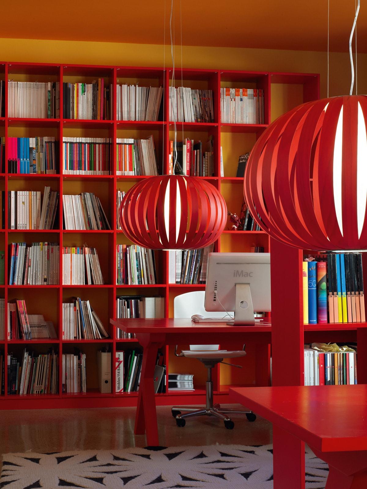 LZF Poppy in Rot Holzleuchte