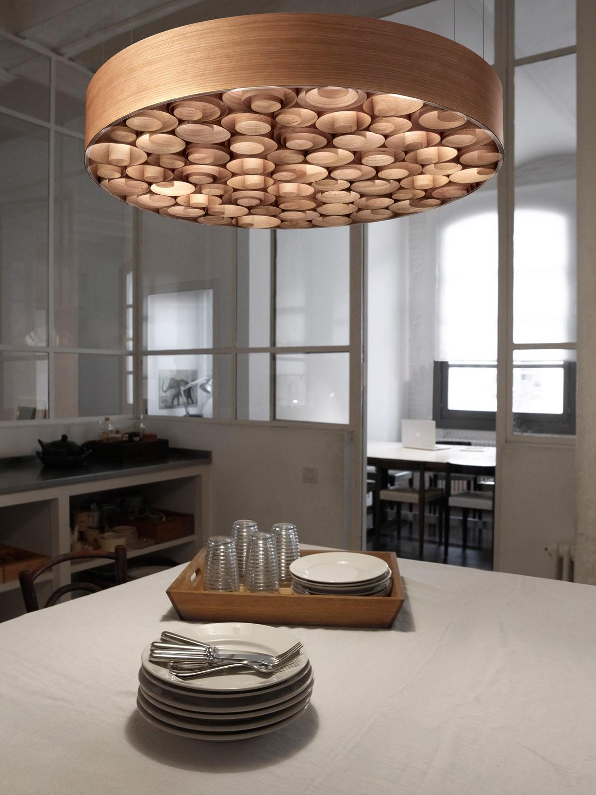 DesignOrt Blog: Faszination Farbe: Holzfurnier von LZF Lamps Spiro in Kirsche
