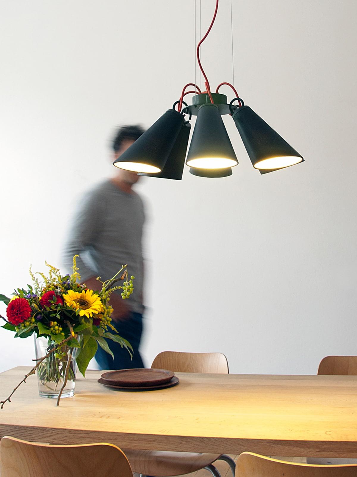 Designort Blog: Designerleuchten mit variablem Schirm Pit 6 Domus Licht