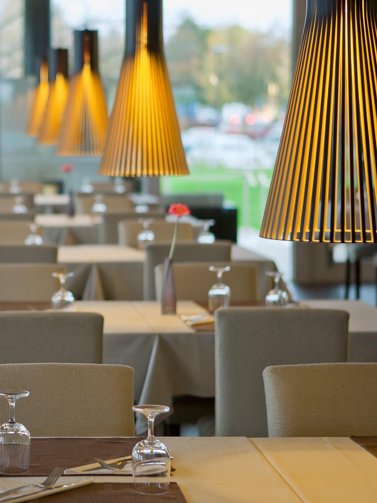 DesignOrt Blog: Frische Designerleuchten für die Gastronomie Secto 4200 Secto Design