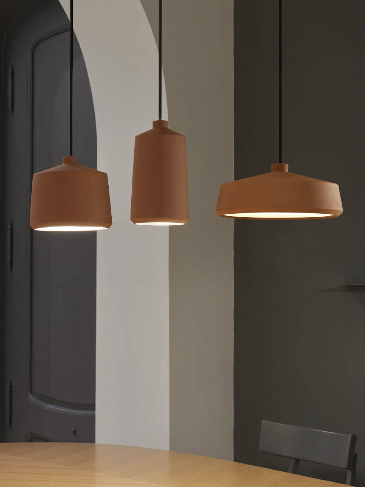 Flame Leuchtenserie Keramik Lampen Pott DesignOrt Berlin