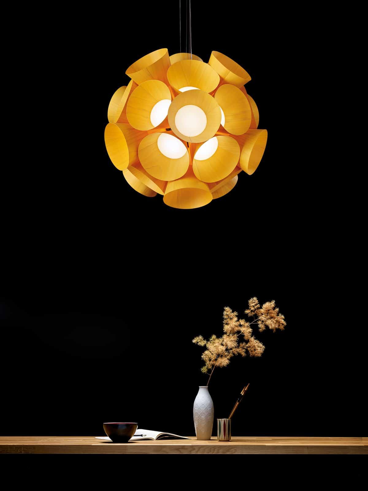 DesignOrt Blog: Florale Designerleuchten LZF Dandelion