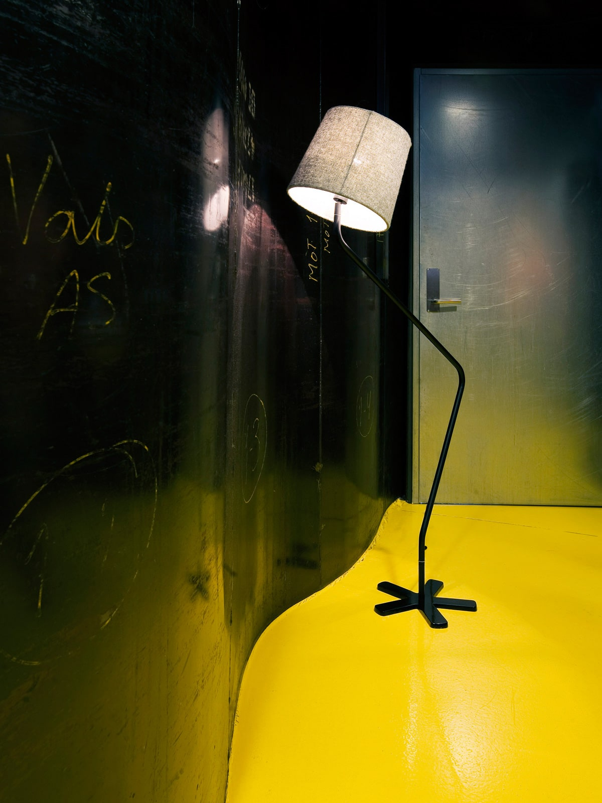 Lampe GROOGY mit Farbideen Schwarz und Gelb