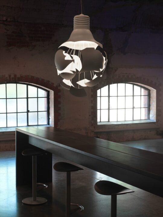 scheisse lampen leuchten designerleuchten online berlin design. Black Bedroom Furniture Sets. Home Design Ideas