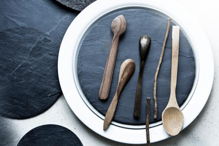 700_restaurant-host-slate-plate_remodelista