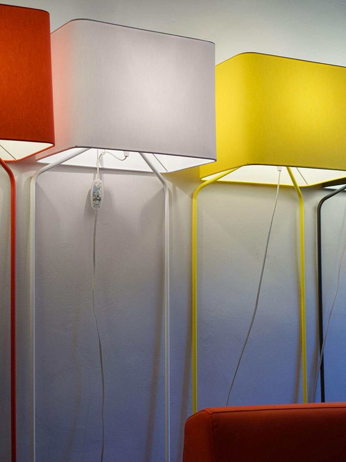 Stehlampe Thinlissie frauMaier bei DesignOrt Onlineshop