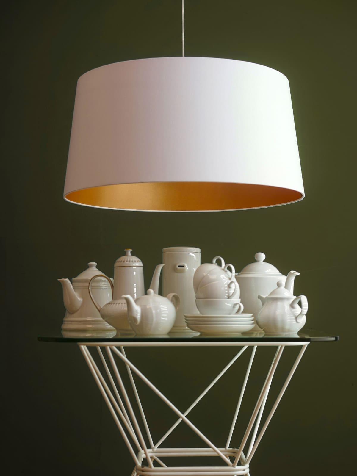 designerleuchten mit goldenen innenseiten lampen. Black Bedroom Furniture Sets. Home Design Ideas