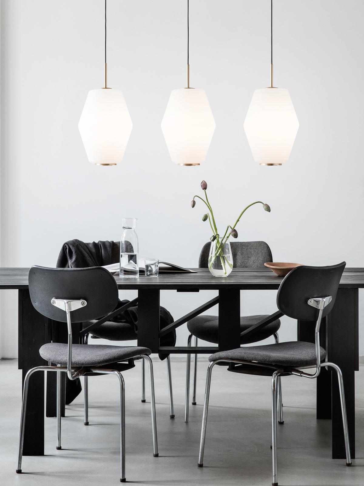 neue leuchten lampen im onlineshop designort lampen leuchten designerleuchten online berlin. Black Bedroom Furniture Sets. Home Design Ideas
