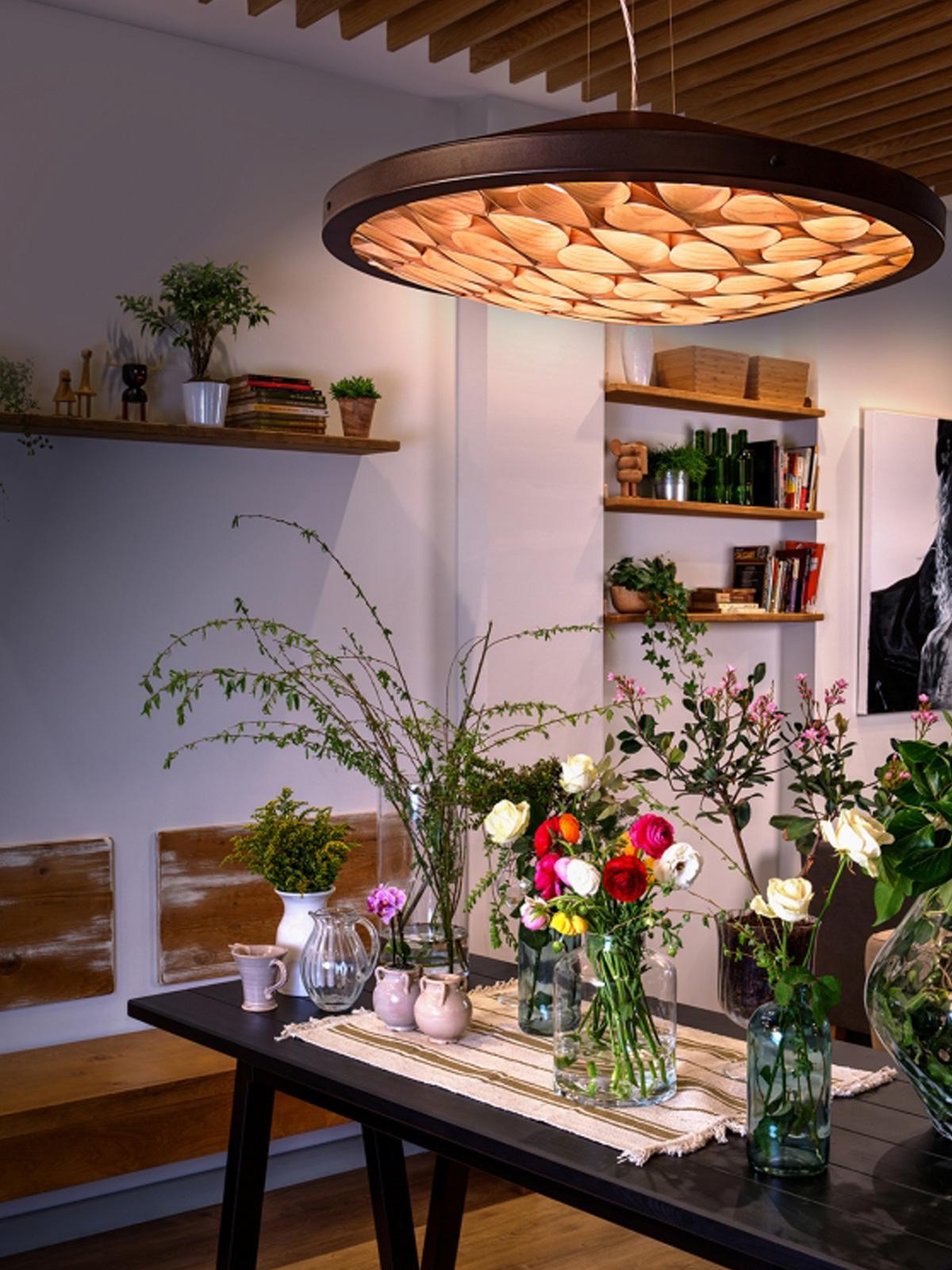 DesignOrt Blog: Faszination Farbe: Holzfurnier von LZF Lamps Leuchte aus Holzfurnier Cervantes S von LZF
