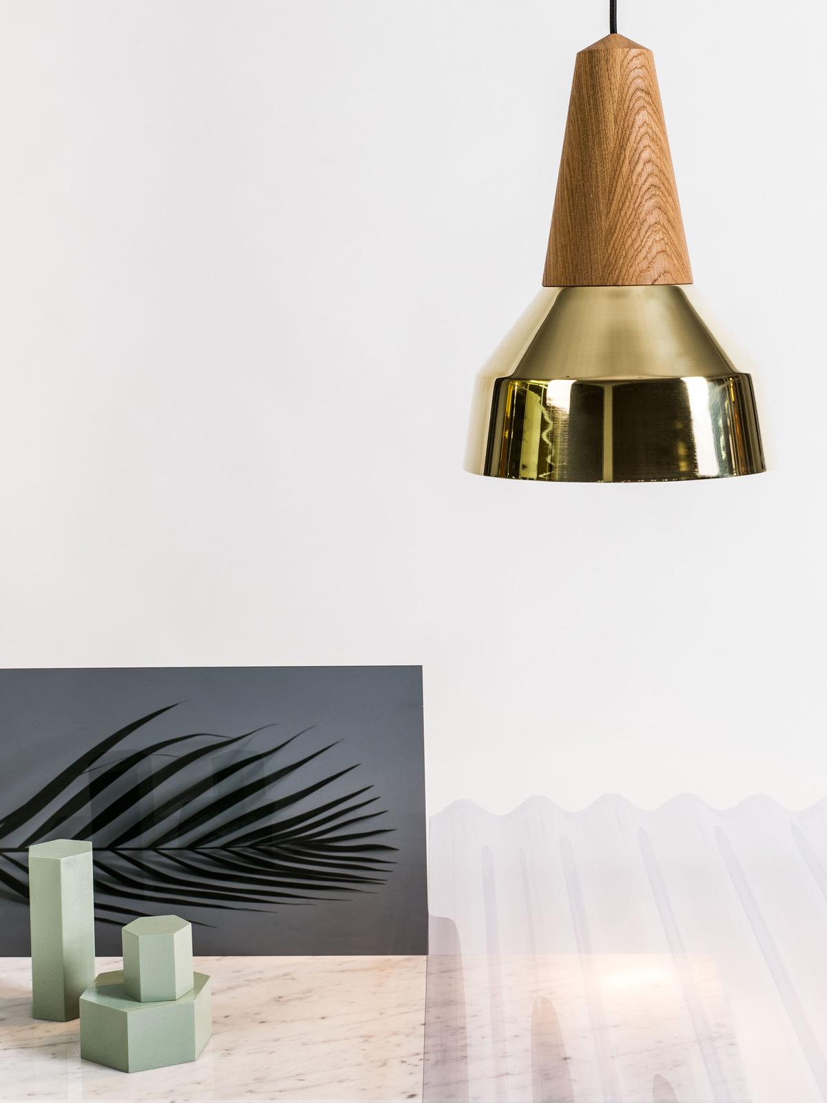 Pendelleuchte Eikon Ray in Messing DesignOrt Berlin