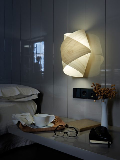 Panel-sm-deko-Couch-Innermost-Lampe