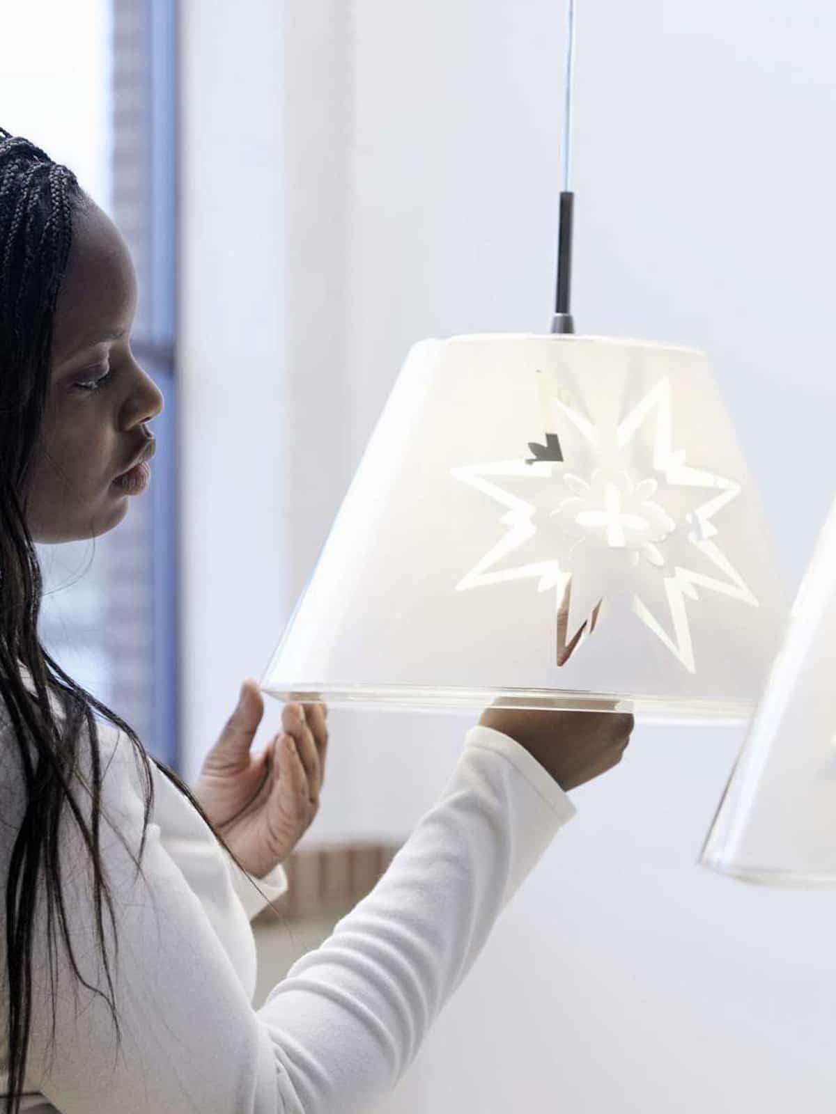 Designerleuchte Pendelleuchte Undercover mit wechselbaren Innenfolien