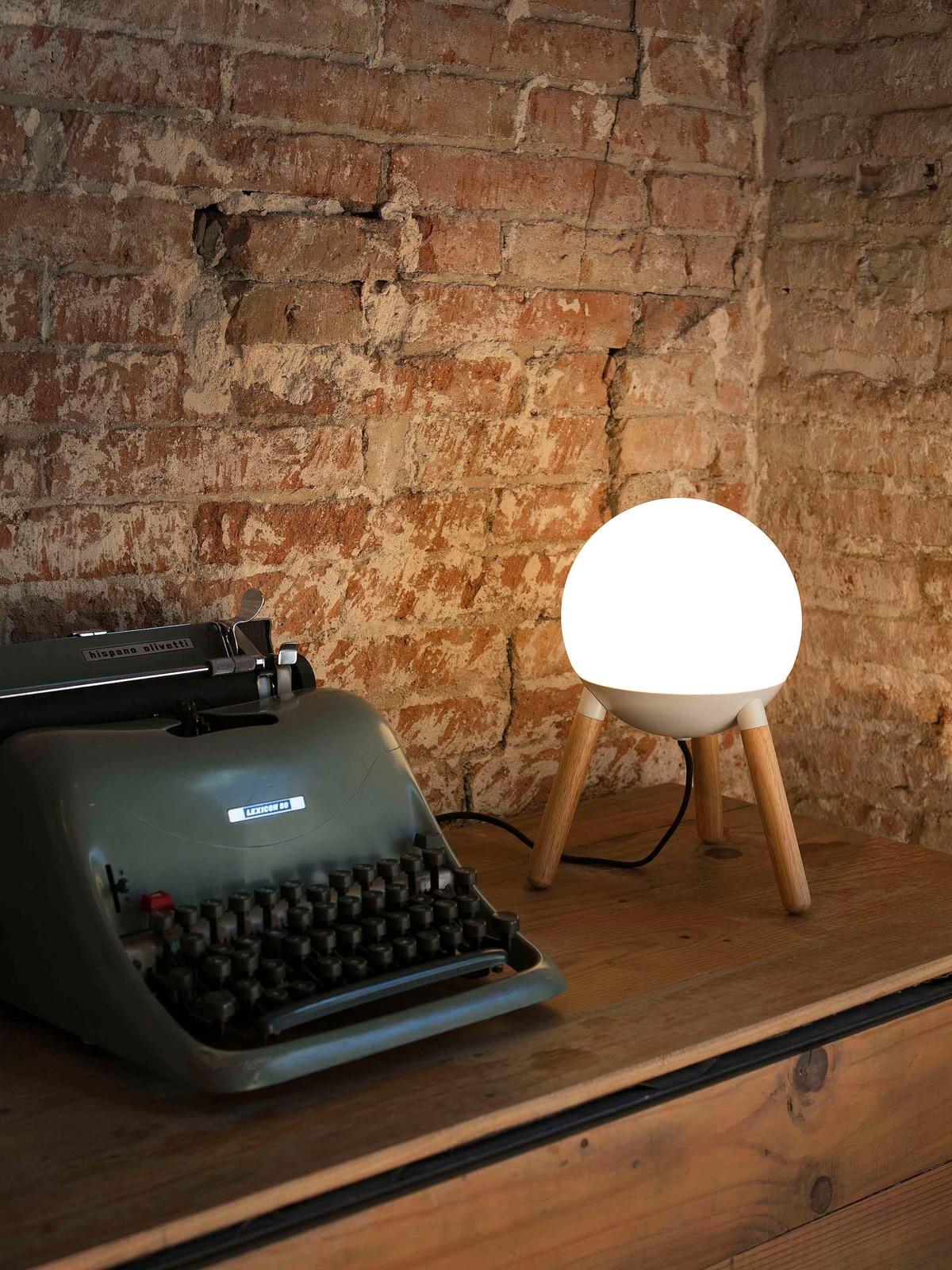 DesignOrt Blog: Jahresrückblick 2018 Tisch Lampe Mine Table Faro Holz und Glas