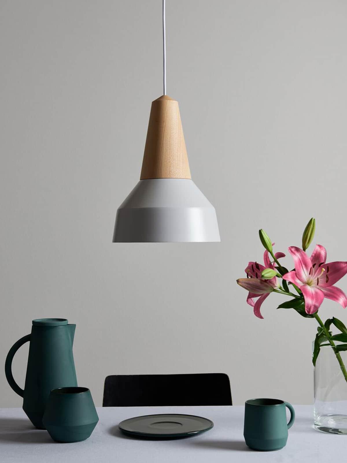 Pendel Lampe Eikon Basic nachhaltiges Design von Schneid