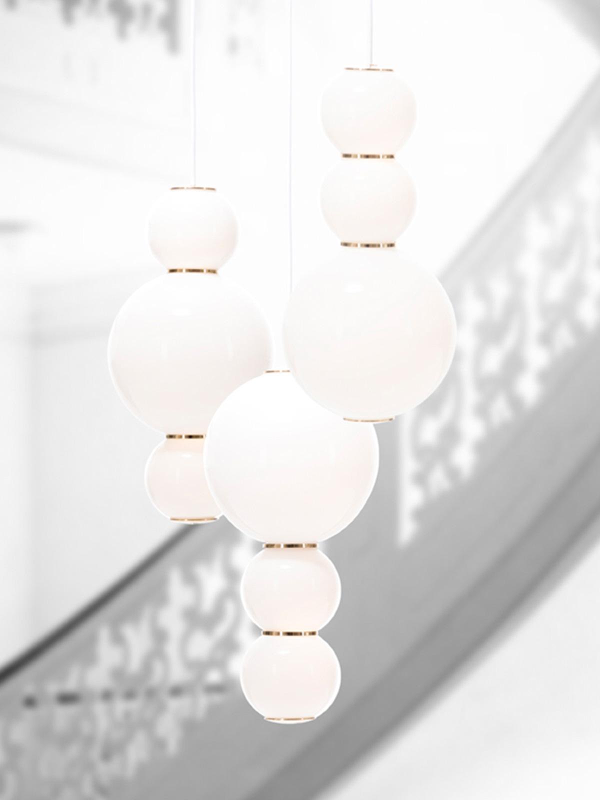 dreiflammiger Lüster aus Opalglas Pearls Chandelier 3 Formagenda LED