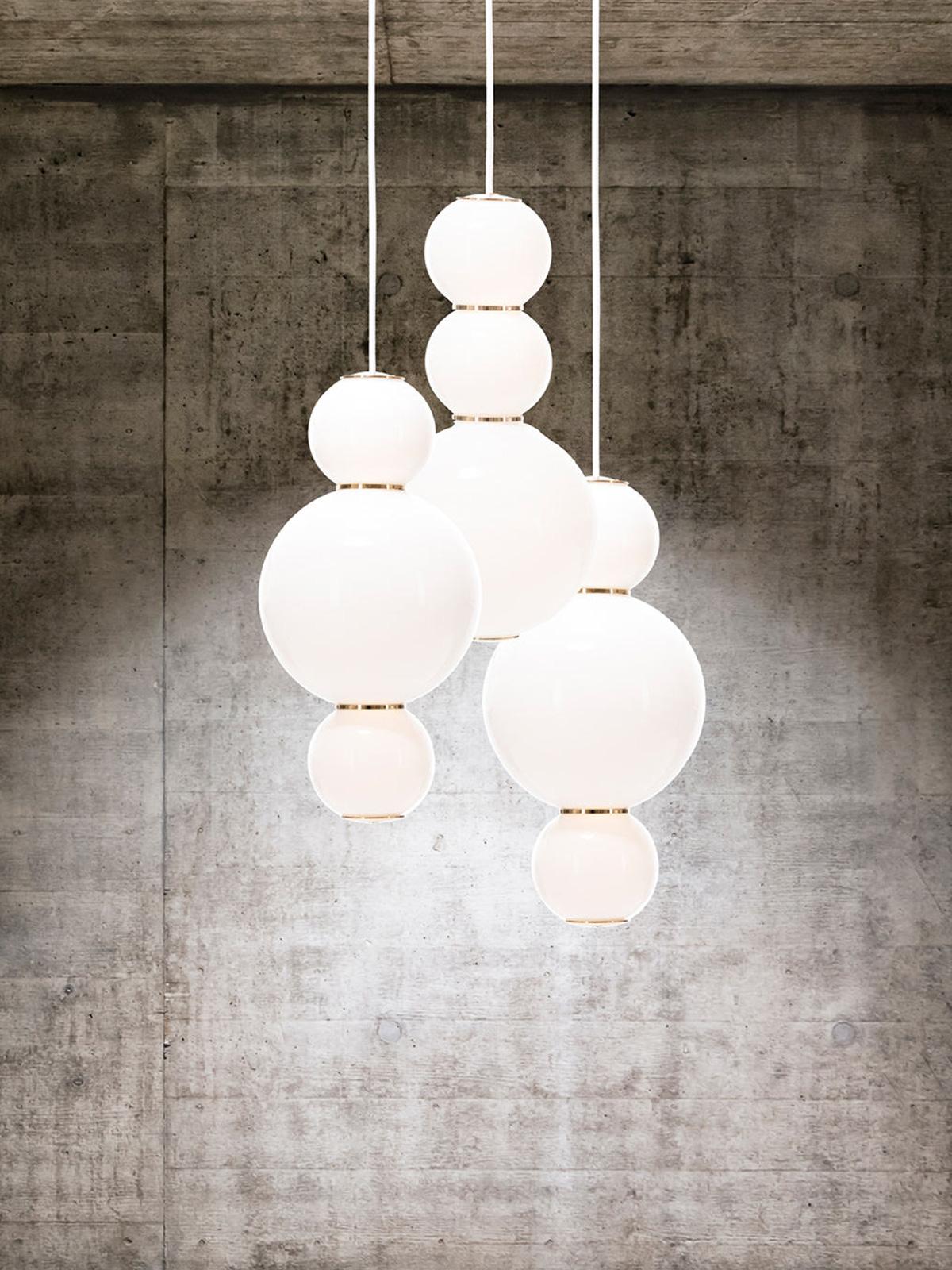 DesignOrt Blog: Kugelige Pendelleuchten dreiflammiger Lüster aus Opalglas Pearls Chandelier 3 Formagenda LED