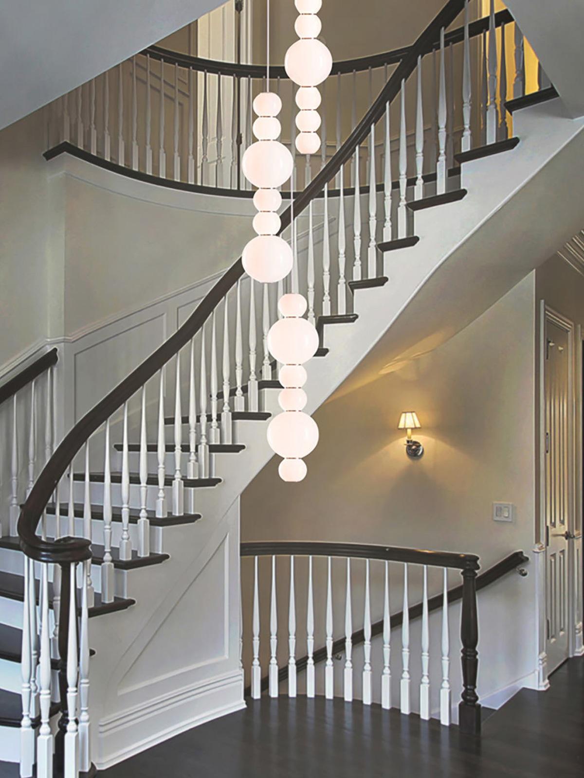 DesignOrt Blog: Statement Beleuchtung für den Flur Pendel Lampe Pearls Double Opalglas LED von Formagenda Made in Germany
