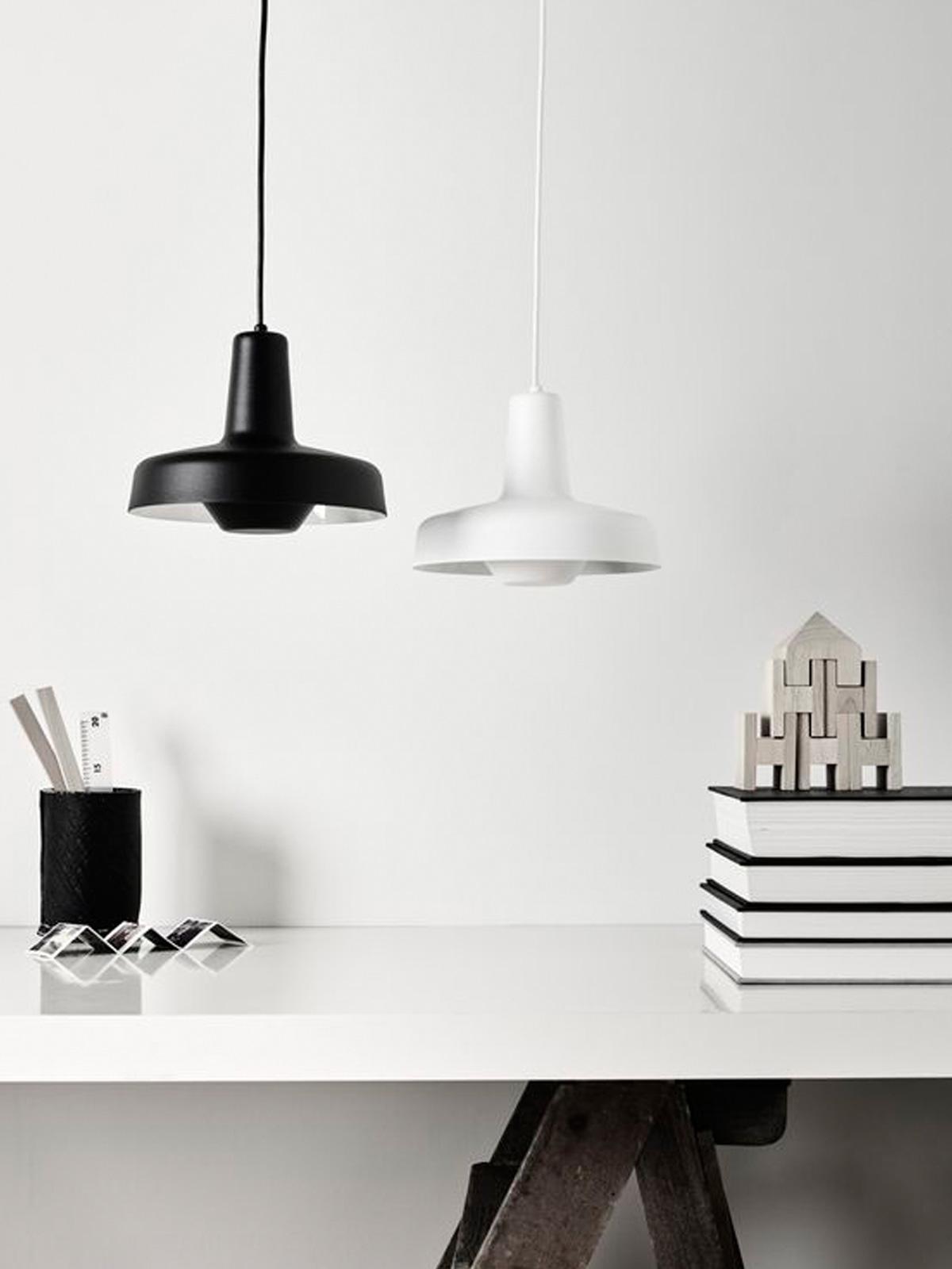 DesignOrt Blog: Pendelleuchten von Grupa in Schwarz und Weiß