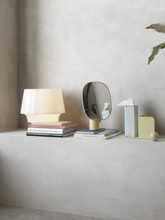 Tischlampe Cosy in White Muuto #skandinavisch #design #lampe