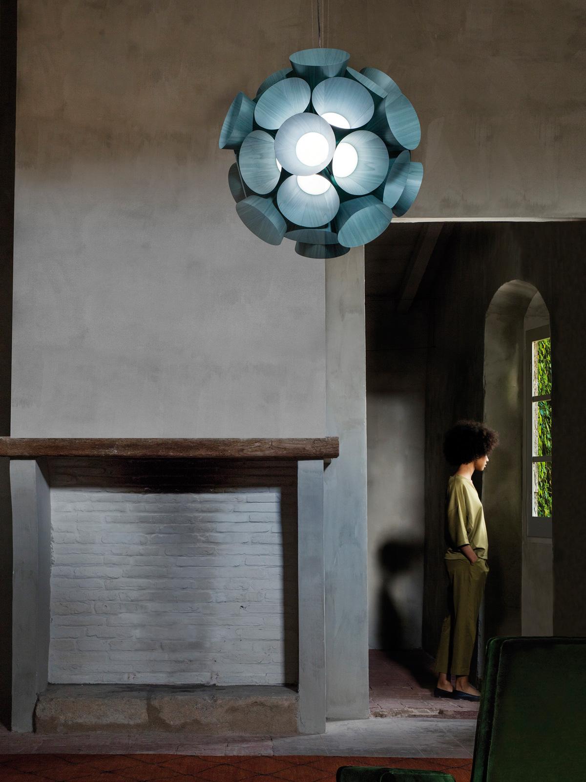 LED Holzlampe Dandelion von LZF in Türkis