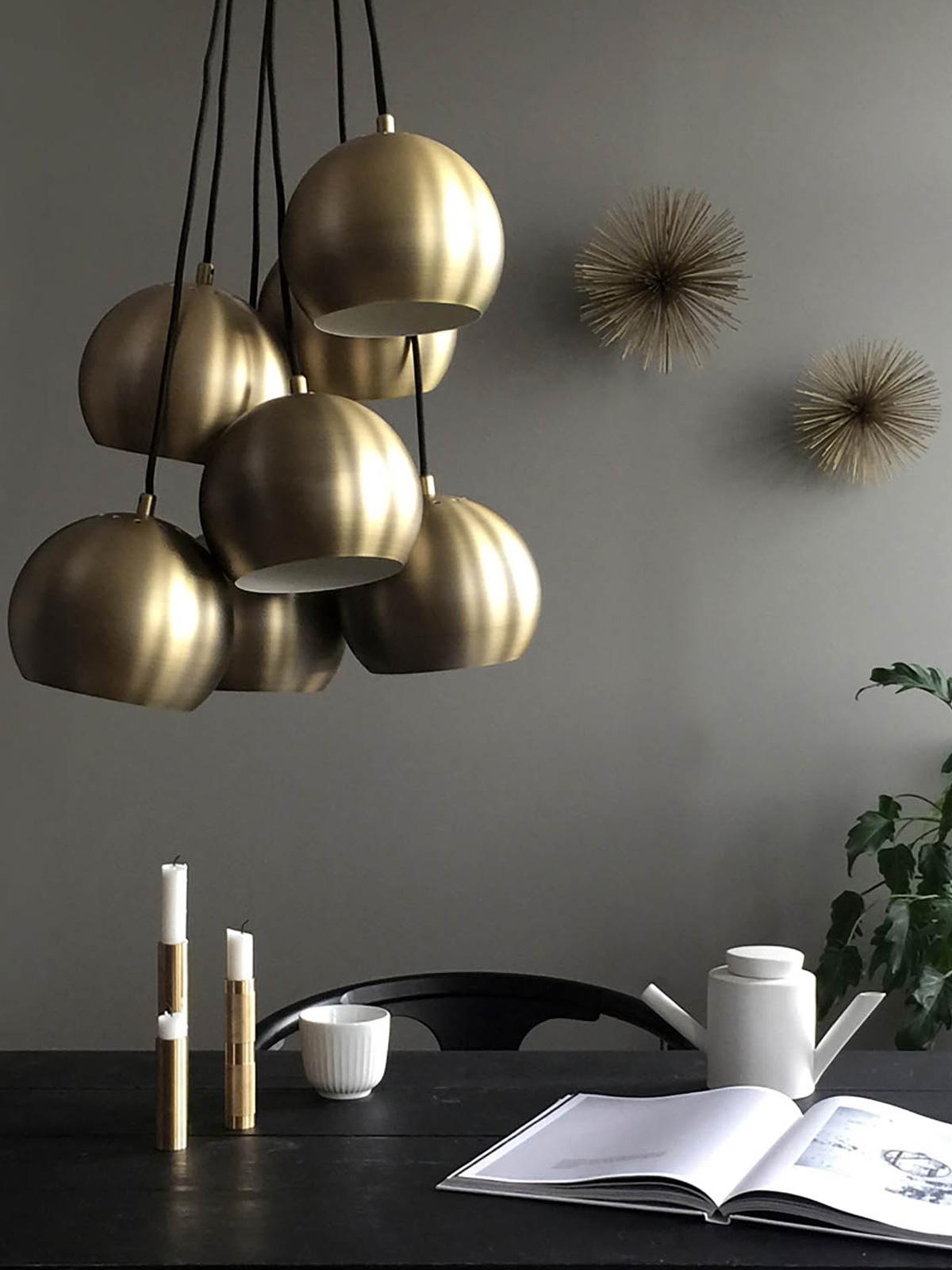 DesignOrt Blog: Messingleuchten Kronleuchter Ball Multi von Frandsen