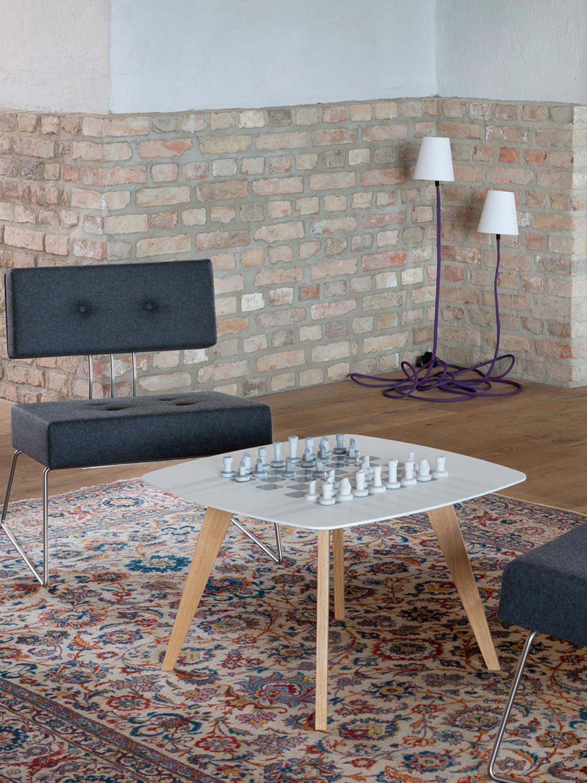 Climbing Lamp im Wohnzimmer Son of Nils Design aus Berlin
