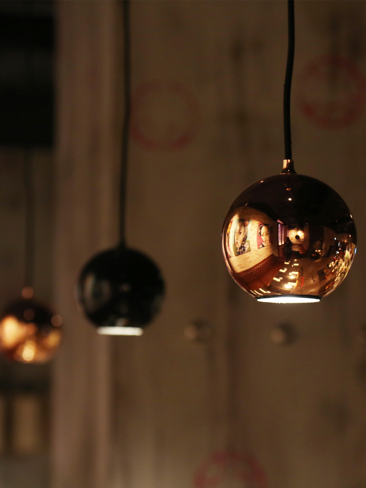 DesignOrt Blog: Designer im Portrait Steve Jones Innermost Boule Spotlight Kupfer und Schwarz