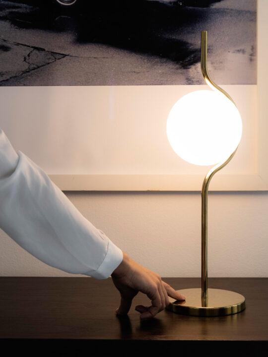 Tischlampe La Vita T von Faro