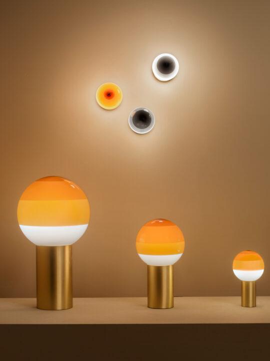 Dipping Light in verschiedenen Größen in Orange