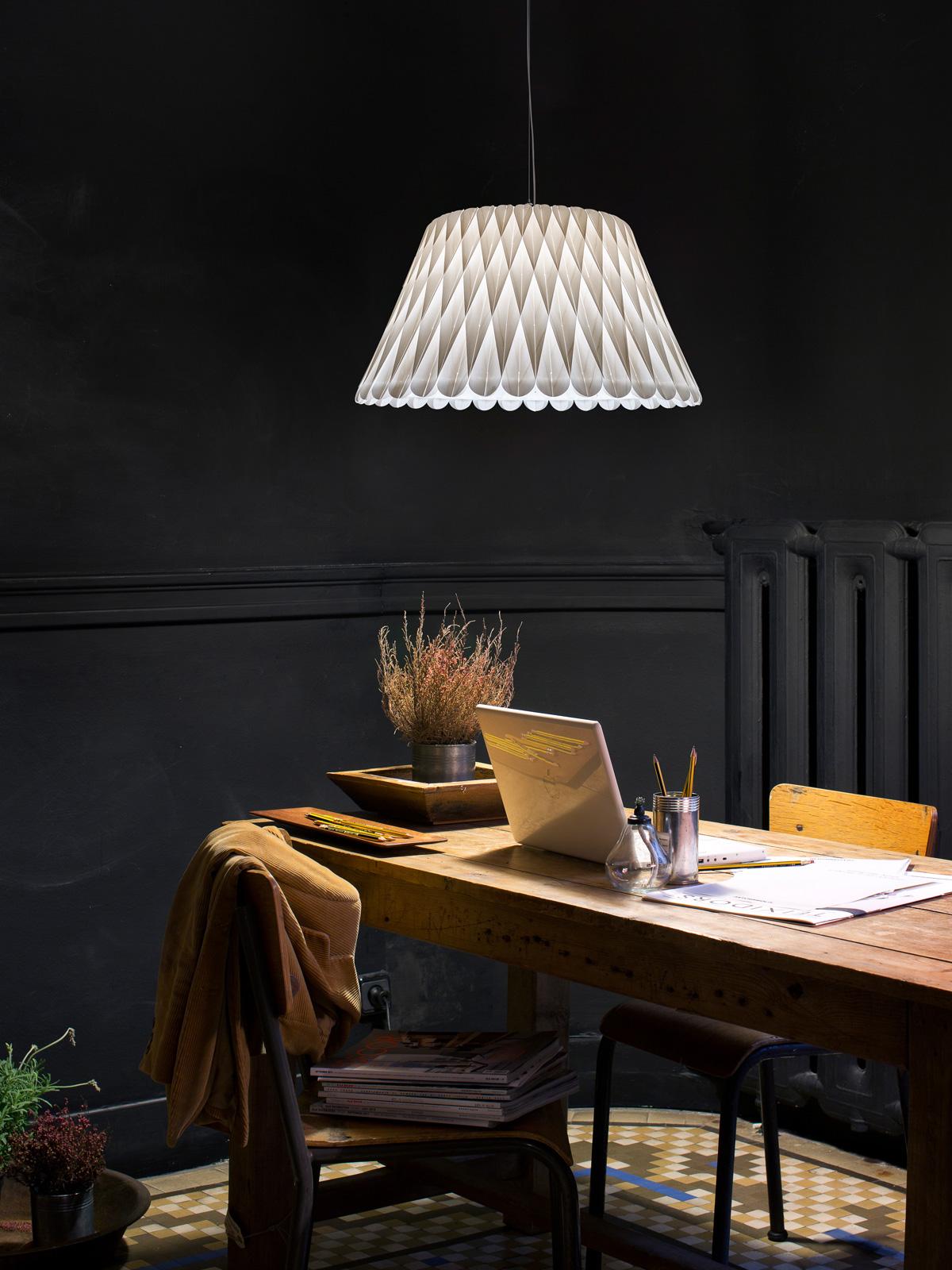 Lola LZF Lamps Deko Schreibtisch