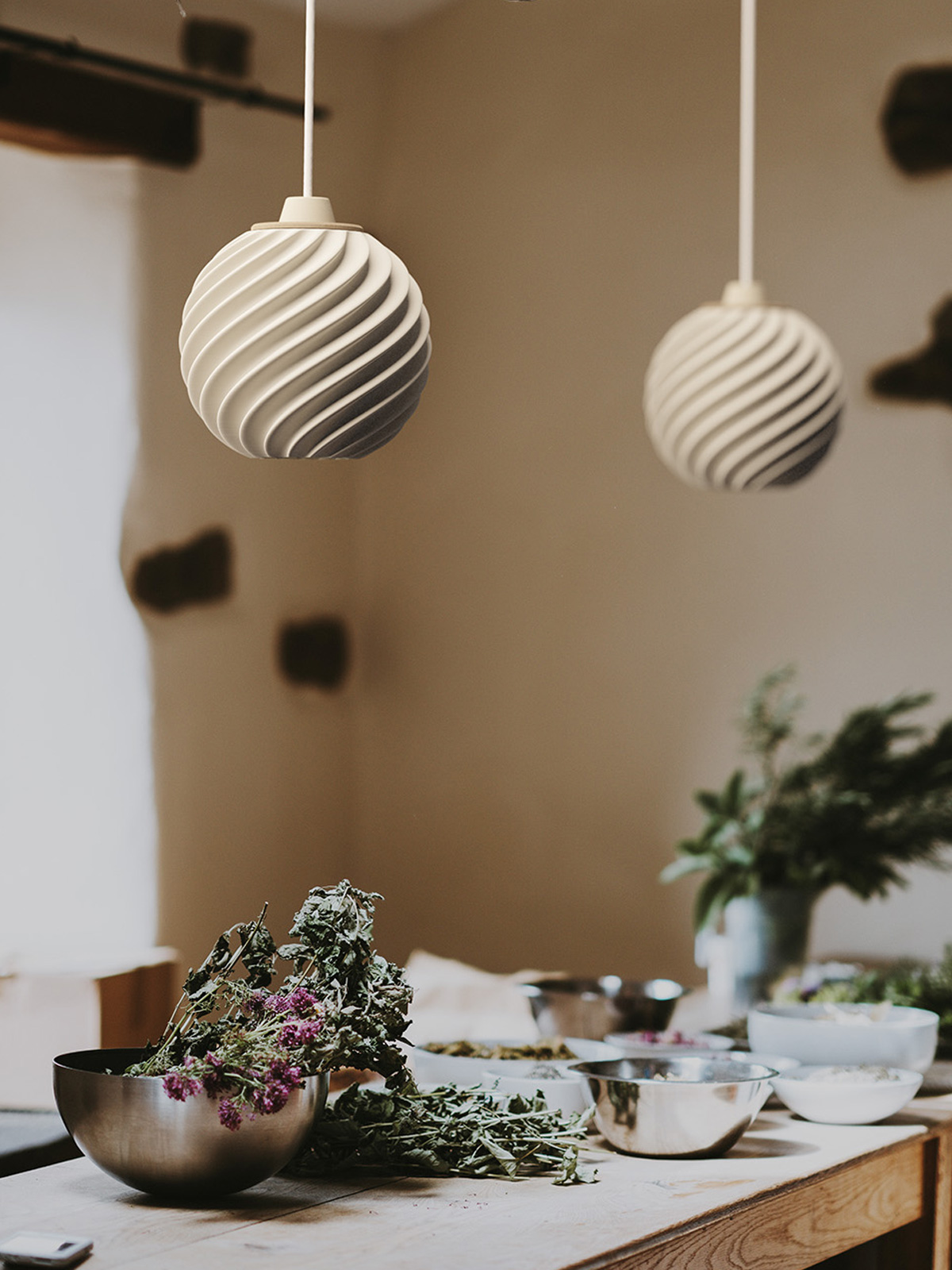 Polyluma Mono Ripple Designerleuchte aus Berlin nachhaltig Holz