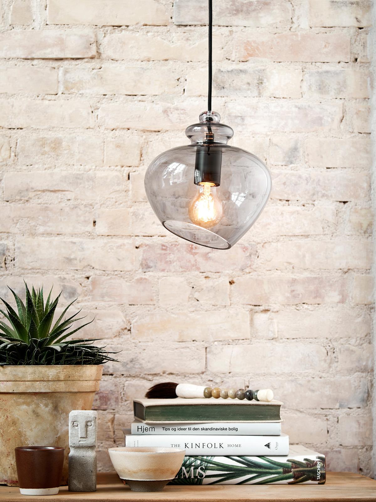 DesignOrt Blog: Trend: Rauchglas Leuchten Grace von Frandsen in Grau Glaslampe