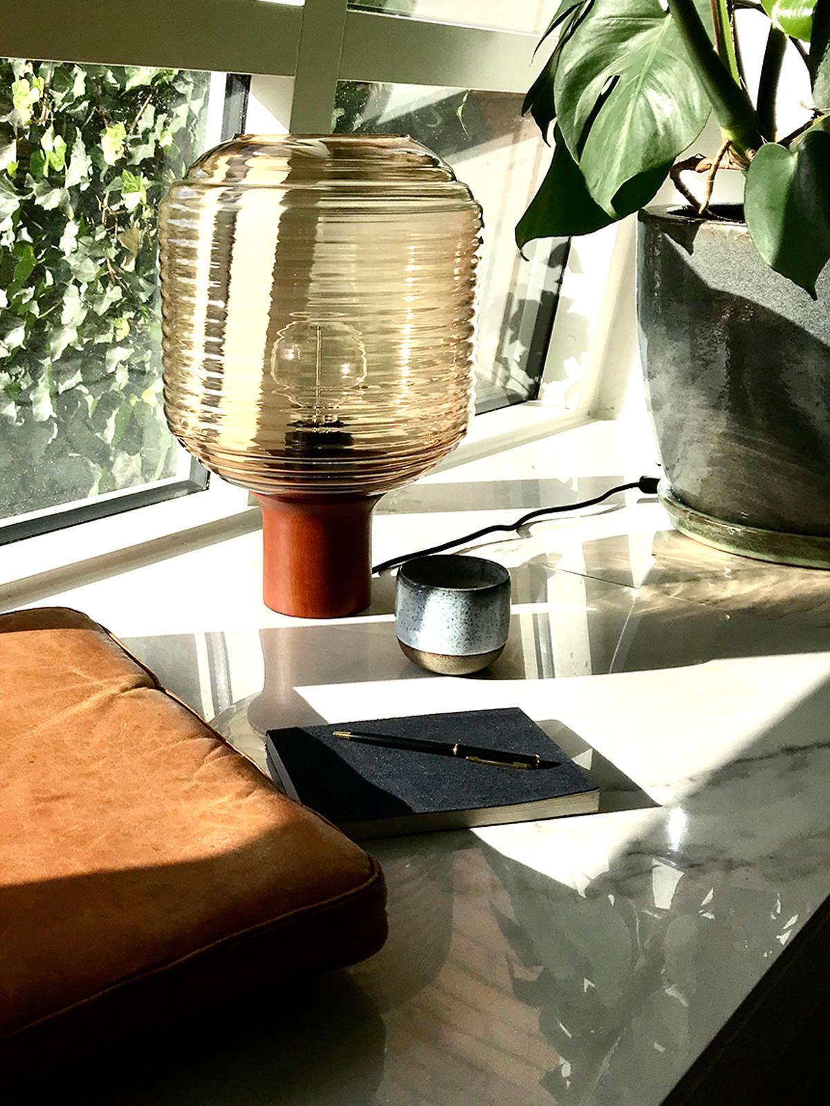 Tischleuchte Honey Amber Frandsen skandinavisch Design Lampe