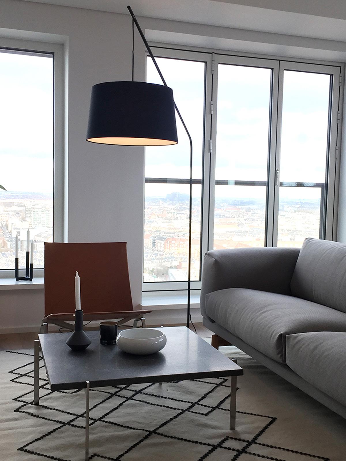 DesignOrt Blog: Bogenlampen Frandsen Lobby Mega Stehleuchte schwarz