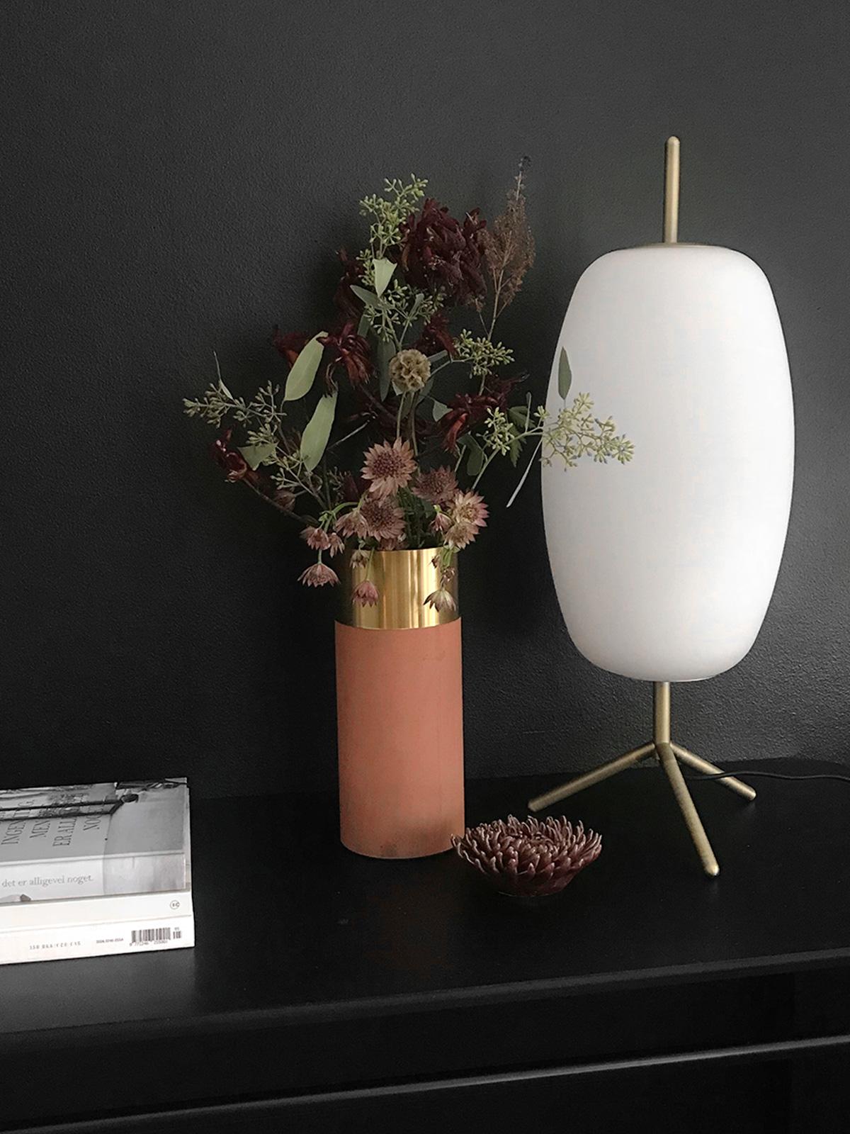 Frandsen Silk Tischleuchte opakes Weissglas