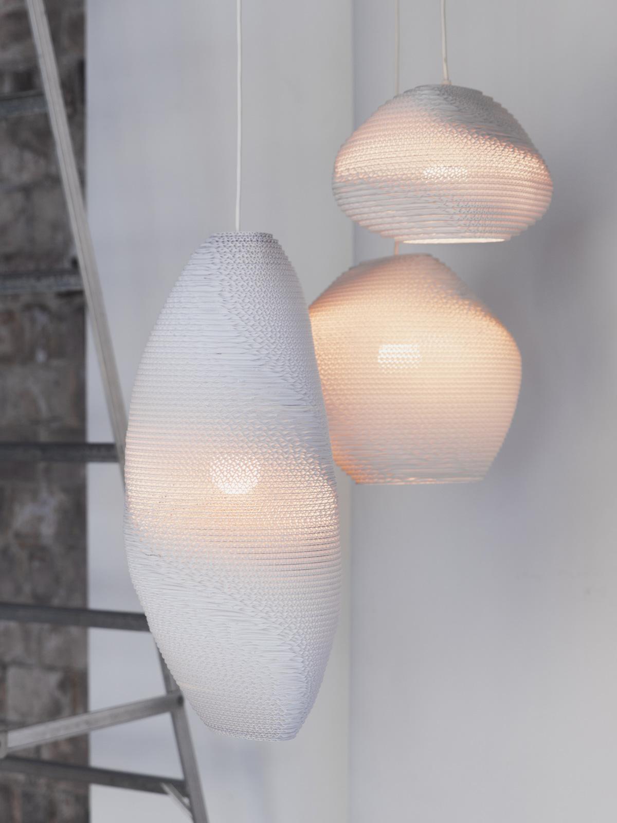 SCRAPLIGHTS white Graypants Pappleuchten Karton DesignORt Onlineshop Berlin Leuchten Lampen