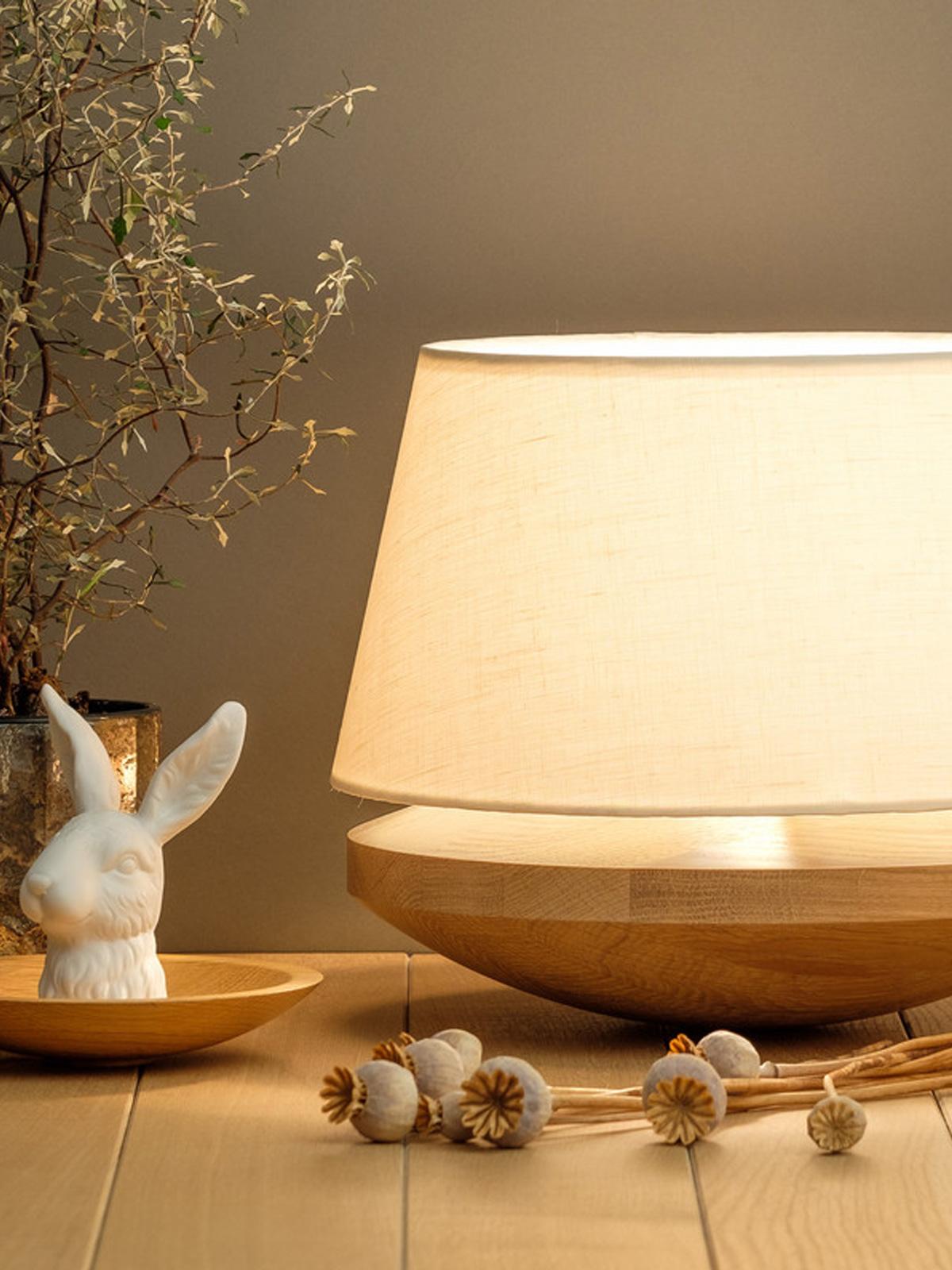 Domus Licht Kjell Tischlampe für diffuses Licht - Lampe mit Leinen und Holz