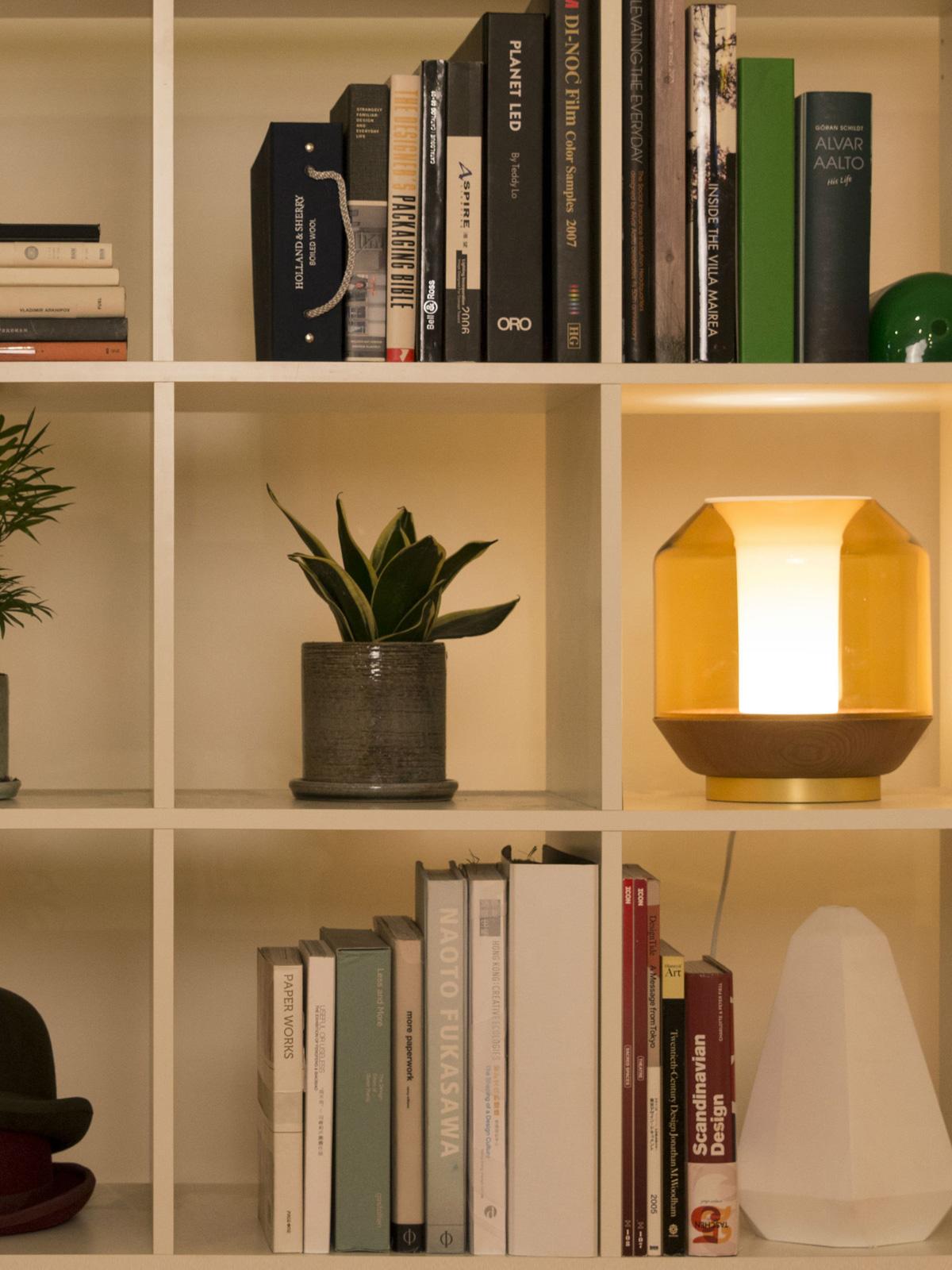 DesignOrt Blog: Innermost Lateralis Tischleuchte aus Glas