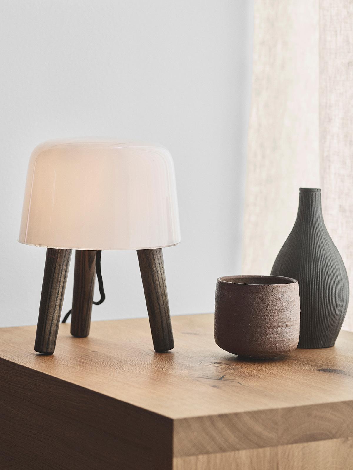 Milk Tischleuchte &tradition DesignOrt Berlin Lampen
