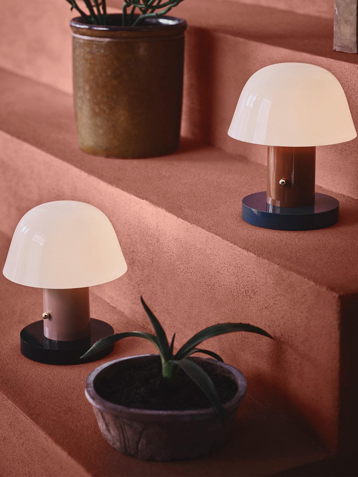&tradition Setago Akk Leuchte LED aufladbar USB tragbar Setago Tischlampe DesignOrt Onlineshop Lampen Berlin
