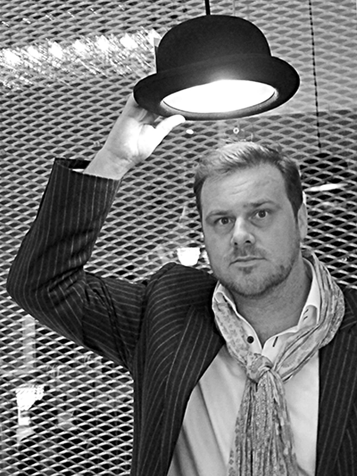 DesignOrt Lampen Blog Designer im Portrait Steve Jones von Innermost