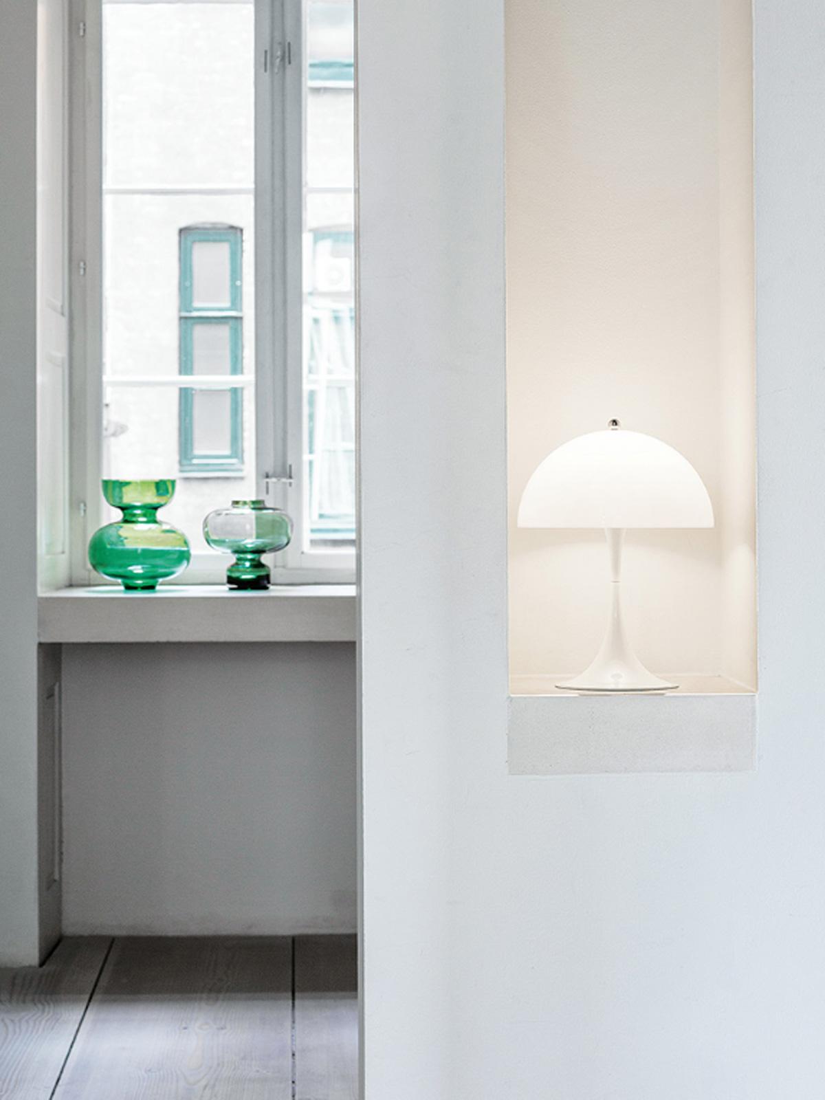 skandinavische Designerleuchte Panthella Verner Panton Louis Poulsen DesignOrt Leuchten Onlineshop