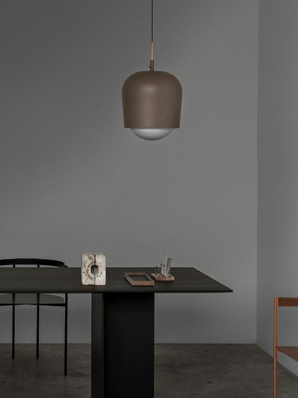 DesignOrt Blog: Designerleuchten mit variablem Schirm Blind Lamp MUNK