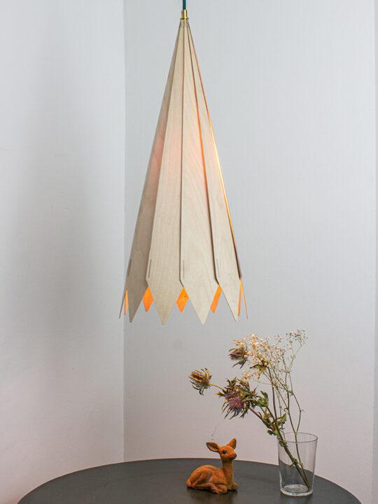 MAERU CONO Holzlampe Pendelleuchte DesignOrt Onlineshop Leuchten Lampen Designerleuchten Berlin
