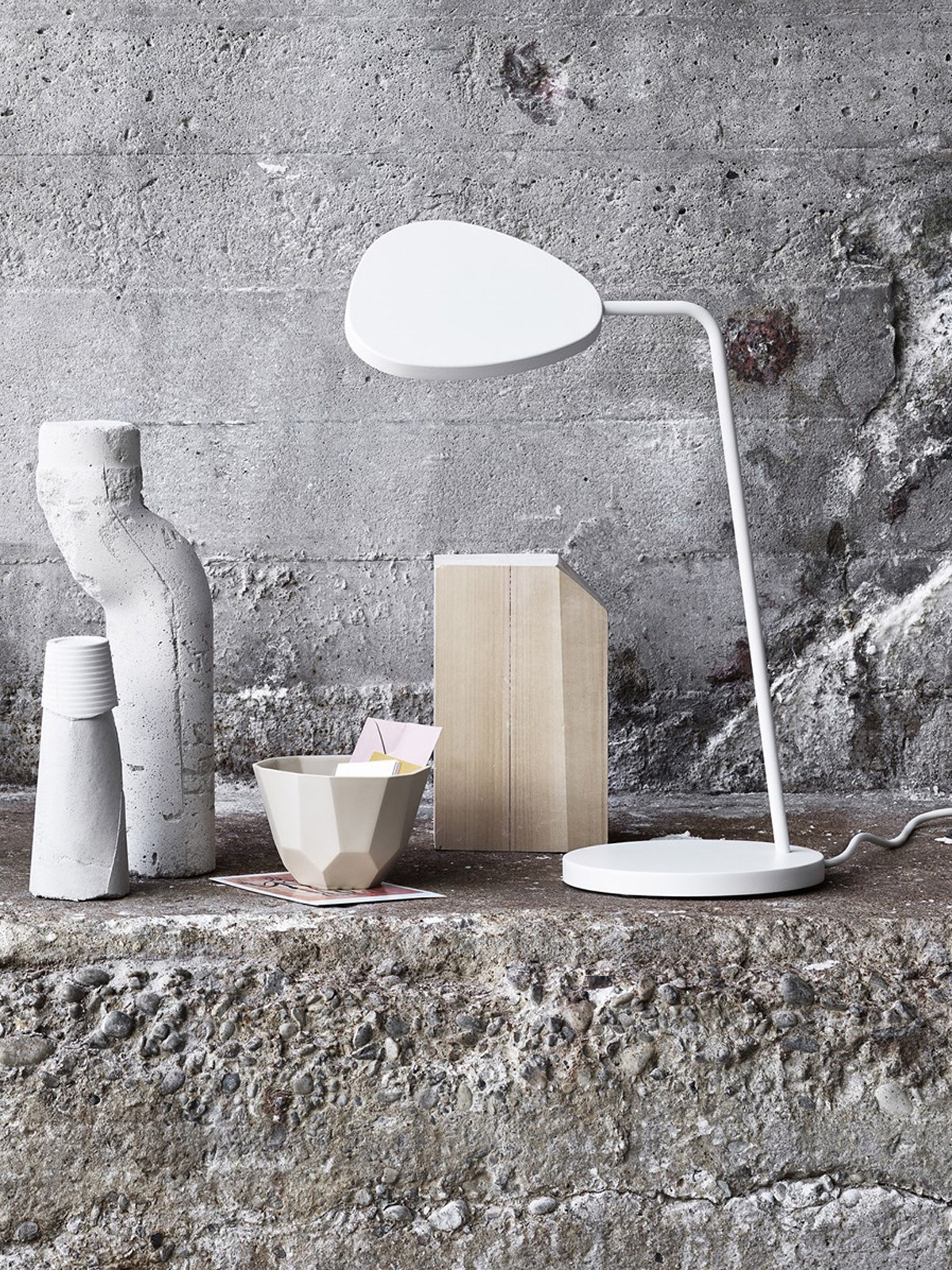 Leaf Table LED Tischlampe muuto DesignOrt Onlineshop Lampen Berlin
